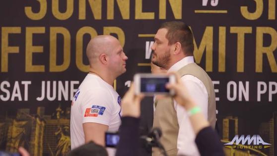 Suočavanje Fedora i Matt Mitriona nakon konferencije za štampu u New Yorku! (VIDEO)