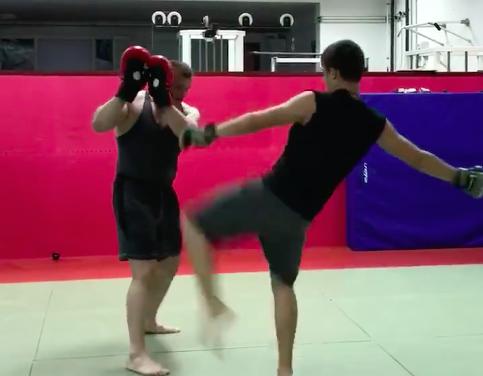 """Pogledajte kako Mirko """"CroCop"""" Filipović trenira svog sina! (VIDEO)"""