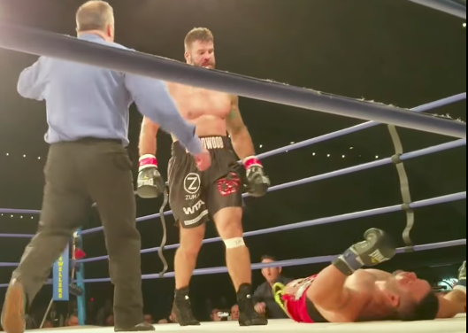 Pogledajte nokaut zbog kojeg je bivši UFC borac Tim Hague preminuo! (VIDEO)