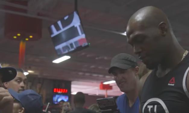 """Pogledajte """"trening za publiku"""" uoči UFC214! (VIDEO)"""