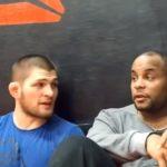 UFC šampion Cormier veruje da Nurmagomedov ne bi trebao pristati na borbu sa Mayweatherom (FOTO)