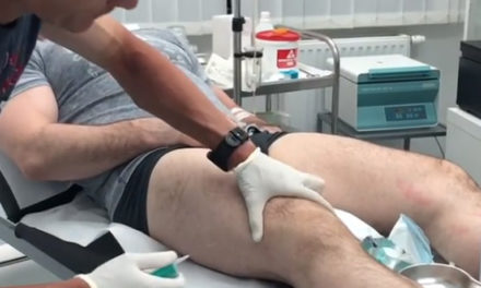 Borac Mirko Filipović objavio snimak kako mu doktor injekcijom iz kolena vadi vodu! (VIDEO)