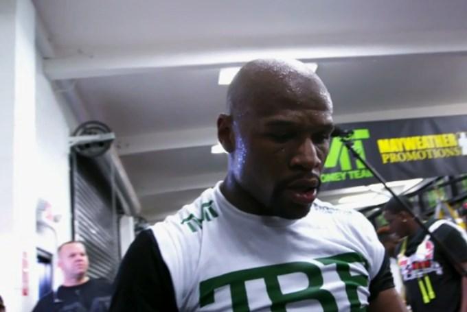 Floyd Mayweather ulazi u MMA ring (FOTO)